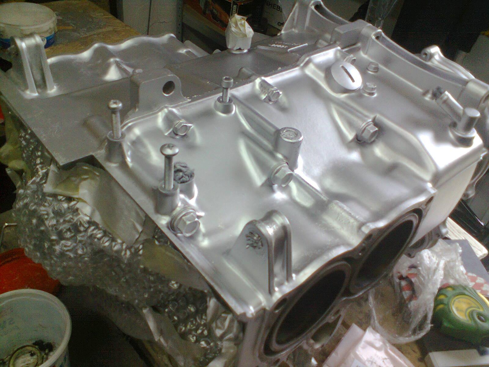 GL1100 build progress – engine repainted